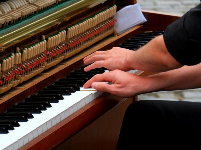 leren in organisaties, learning, Leren piano spelen, RheiGroup